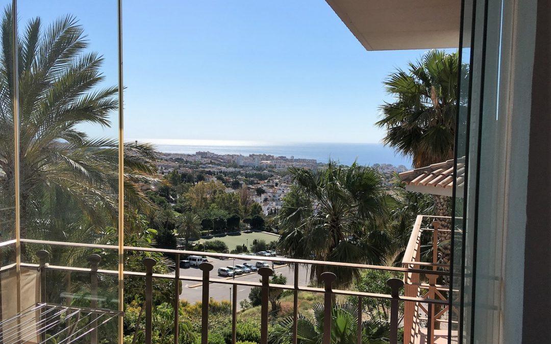 Apartamento de 2 Dormitorios | Vistas panorámicas desde la altura – Benalmádena | Ref: A1007